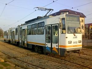 tramvai v3a pe linia 24