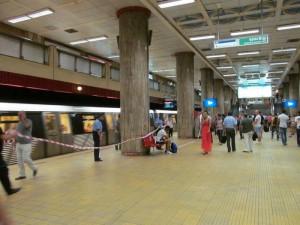 metrou piata unirii 1 accident sinucidere